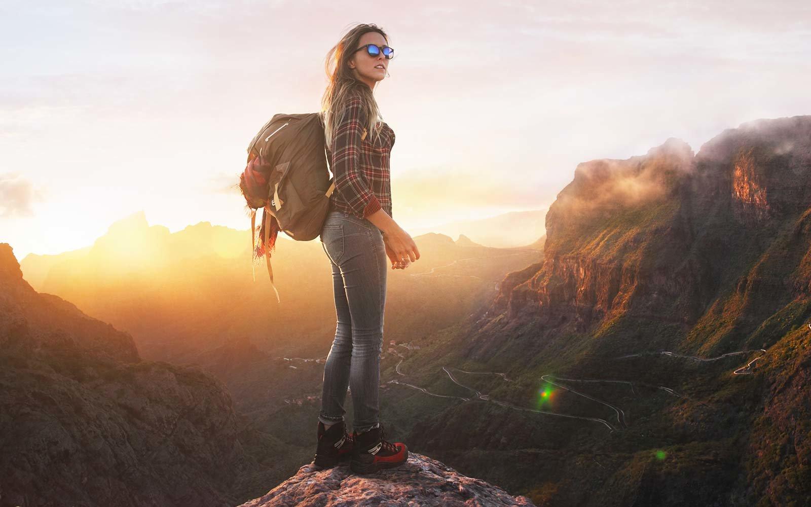 Best Travel Books Written by Women for Adventurous Women traveler
